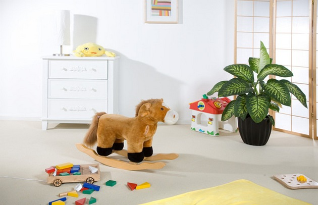 Растениям место в детской комнате