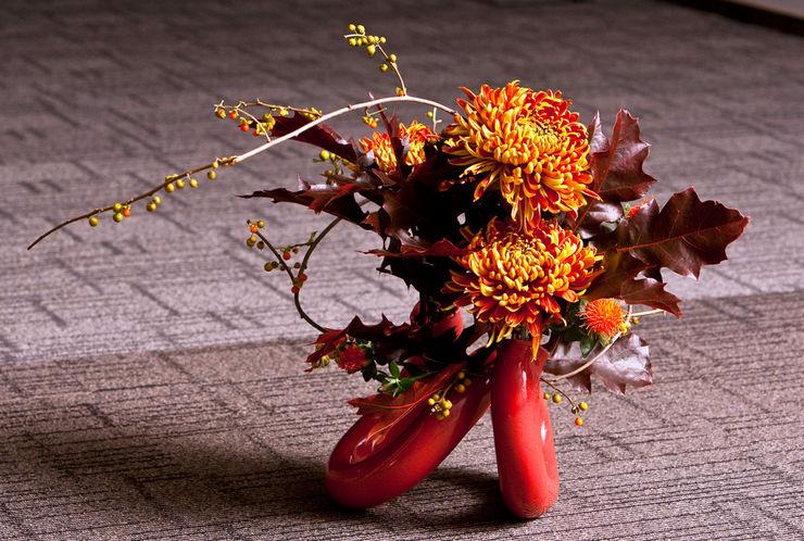 В каждой цветочной композиции линии являются основой для создания гармоничного букета.